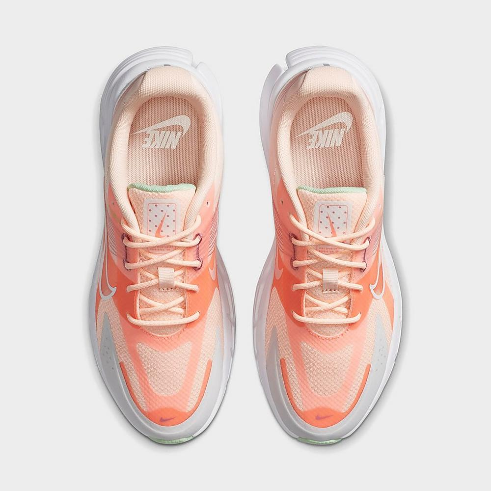 Up close Back view of Women's Nike Alphina 5000 Casual Shoes