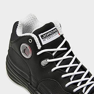 Front view of Men's Jordan Jumpman Team 1 Basketball Shoes in Black/Varsity Red/White Click to zoom