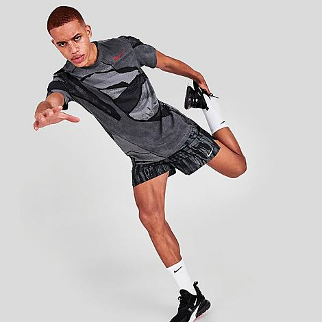 Nike Men's Challenger Wild Run Running Shorts in Black/Black Size X-Large Polyester