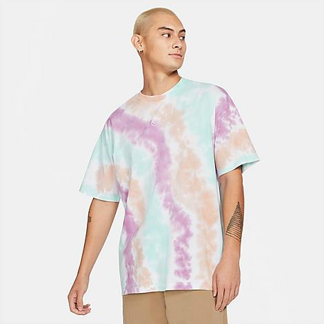 Nike Men's Sportswear Max 90 Tie-Dye T-Shirt Size Small 100% Cotton Size & Fit Loose fit is oversized and roomy Product Features Cotton construction is sturdy and comfortable Rounded, ribbed neckband Tie-dye design for a timeless look 100% cotton Machine wash The Nike Sportswear Max 90 Tie-Dye T-Shirt is imported. Stand out from the crowd when you step out in the Men's Nike Sportswear Max 90 Tie-Dye T-Shirt. Boasting throwback design lines and a futuristic feel, this tee is perfect for streetwear aficionados everywhere. Size: Small. Color: White/Multi Color. Gender: male. Age Group: adult. Nike Men's Sportswear Max 90 Tie-Dye T-Shirt Size Small 100% Cotton