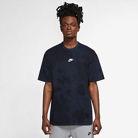 Nike Men's Sportswear Essential Tie-Dye T-Shirt in Blue/Dark Obsidian Size X-Small 100% Cotton Size & FitLoose fit is oversized and roomy Product FeaturesLightweight cotton construction Rounded, ribbed neckband Allover tie-dye print for style 100% cotton Machine wash The Nike Sportswear Essential Tie-Dye T-Shirt is imported. Stand out from the crowd this season when you step up your game in the Men's Nike Sportswear Essential Tie-Dye T-Shirt. An oversized fit makes it on-trend while the tie-dye print ensures you stand out from the crowd. Size: X-Small. Color: Blue. Gender: male. Age Group: adult. Nike Men's Sportswear Essential Tie-Dye T-Shirt in Blue/Dark Obsidian Size X-Small 100% Cotton