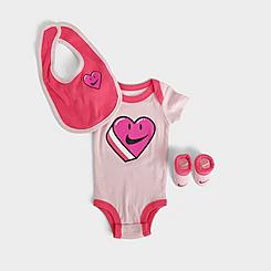 Girls' Infant Nike Heart 3-Piece Bib and Booties Box Set